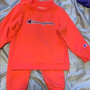 Toddler champions sweatsuit sz 4T